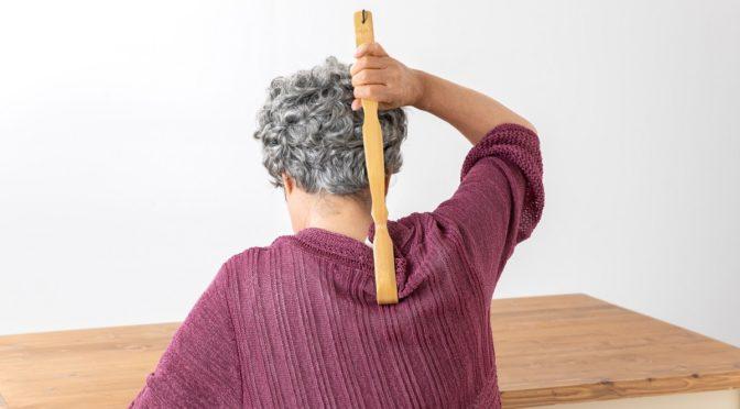 4歳の嘘に追い詰められる。孫を孫の手で叩いた。真に受け虐待を疑う息子夫婦
