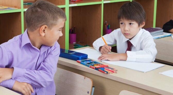 不登校に安堵する学校。家では夜中に「腹減った」父の口ぐせは「認めてあげる」