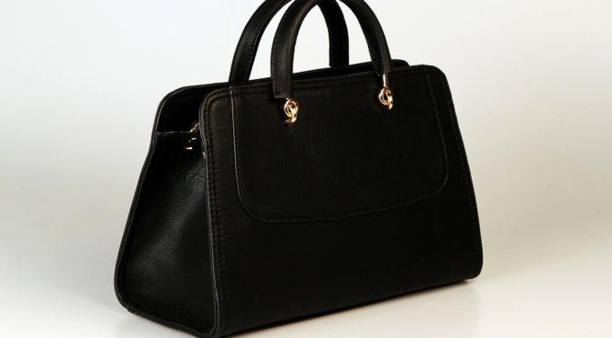 葬式にも出なかった娘に届いた形見分けのハンドバッグ。今の生活が母からの贈り物